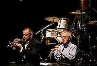 Il regista statunitense Woody Allen, in basso a destra, suona il clarinetto durante un concerto con la sua New Orleans Jazz Band all'Auditorium di Roma, 31 marzo 2010.U.S. movie director Woody Allen, bottom right, plays his clarinet during a concert with his New Orleans Jazz Band at Rome's Auditorium, 31 march 2010..UPDATE IMAGES PRESS/Riccardo De Luca