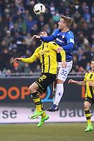 Fabian Holland (SV Darmstadt 98) gegen Christian Pulisic (Borussia Dortmund)- 11.02.2017: SV Darmstadt 98 vs. Borussia Dortmund, Johnny Heimes Stadion am Boellenfalltor