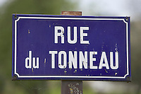 Europe/France/Bourgogne/89/Yonne/Chatel-Censoir : Plaque de la rue du Tonneau