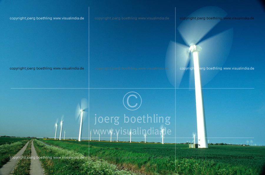 Europa Deutschland DEU Schleswig-Holstein , Windraeder Windkraftwerk - Wirtschaft Umwelt Nachhaltigkeit nachhaltig wirtschaften Energien erneuerbare alternative regenerative Energie Zukunftsenergie Renewables Umwelttechnologie umweltfreundlich umweltfreundliche EEG Einspeisegesetz Klima Klimaschutz Klimawandel Emission CO2 CO2-neutral oekoenergie Strom Stromerzeugung Strom Energieverbrauch gruen gruene Fonds Anlagen Umweltfonds Windenergie Windkraftanlage Windmuehle Windrad Windstrom Windturbine Wind windig abstrakt Langzeitbelichtung / Germany, windturbine - environment energy climate climate change power windenergy renewables renewable windmill windpower wind turbine