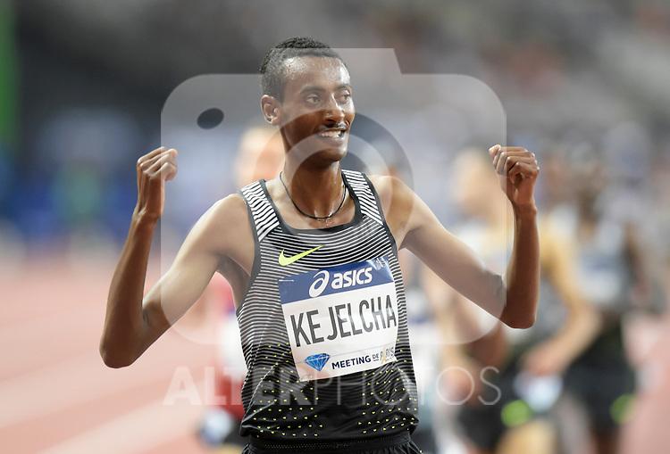 Yomif Kejelcha ( 3000m hommes )
