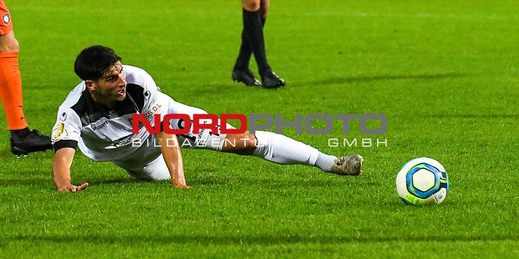12.09.2020, Donaustadion, Ulm, GER, DFB Pokal, SSV Ulm 1846 Fussball vs FC Erzgebirge Aue, <br /> DFL REGULATIONS PROHIBIT ANY USE OF PHOTOGRAPHS AS IMAGE SEQUENCES AND/OR QUASI-VIDEO, <br /> im Bild Robin Heußer / Heusser (Ulm, #19)<br /> <br /> Foto © nordphoto / Hafner
