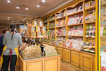 France, Provence-Alpes-Côte d'Azur, Menton: La Cure Gourmande - specialised in biscuits and other sweet titbits | Frankreich, Provence-Alpes-Côte d'Azur, Menton: La Cure Gourmande -  Kekse und andere Naschereien