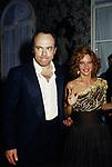 CARLO VERDONE CON GIULIANA DE SIO<br /> VILLA MIANI FESTA PER I DAVID DI DONATELLO ROMA 1989