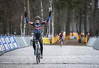 Lucinda Brand (NED/Baloise Trek Lions) wins the Zilvermeercross in Mol. <br /> <br /> Women's elite Race <br /> Zilvermeercross Mol (BEL) 2021<br /> <br /> ©Kramon