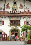 Austria, Tyrol, holiday region Kaiserwinkl, Koessen: Romantic Hotel and Restaurant Zur Post at village centre | Oesterreich, Tirol, Ferienregion Kaiserwinkl, Koessen: Romantikhotel und Gasthof Zur Post im Ortszentrum