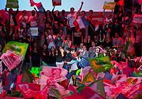 Christiane Taubira et BenoÓt Hamon ‡ son Grand meeting ‡ L'Accorhotels Arena Bercy ‡ Paris le 19 mars 2017 . # GRAND MEETING DE BENOIT HAMON A PARIS