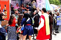 PASTO - COLOMBIA, 04-01-2019: Aspecto del desfile Llegada de La Familia Castañeda, las historias que cuentan las calles de la ciudad y sus corregimientos. Desfile que evoca hitos de la historia de Pasto en el siglo XX. Sus calles tienen mucho que contar. La Familia Castañeda, las autoridades y Pericles Carnaval cuentan diversos relatos, en el Carnaval de Negros y Blancos 2019. / Aspect of the parade Arrival of the Castañeda Family, the stories that tell the streets of the city and its corregimientos. Parade that evokes milestones in the history of Pasto in the twentieth century. Its streets have a lot to tell. The Castañeda Family, the authorities and Carnival Pericles tell different stories, in the Carnival of Blacks and Whites 2019. / Photo: VizzorImage / Leonardo Castro / Cont.