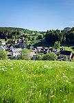 Germany, Thuringia, Vesser (Suhl): village in Vesser Valley and in Thuringia Forest | Deutschland, Thueringen, Vesser (Suhl): Dorf im Tal des gleichnamigen Fluesschens (Vessertal), mit Dorfkirche
