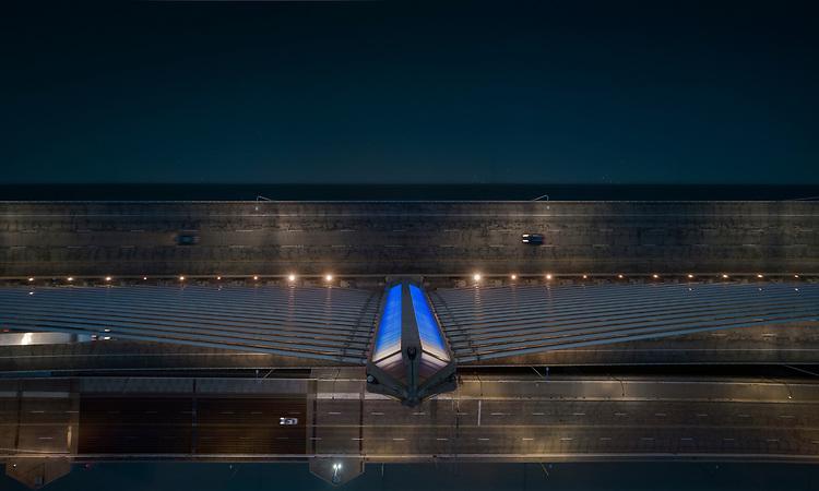 Snowfall  Toledo Veteran's Glass City Skyway Bridge | HLB Lighting