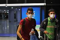 Manaus (AM), 13/03/2020 - Covid 19-Manaus - Pessoas usando mascaras. Desembarque de um voo vindo de Miami (EUA), na madrugada desta  sexta-feira (13), no aeroporto Internacional Eduardo Gomes em Manaus. (Foto: Sandro Pereira/Codigo 19/Codigo 19)