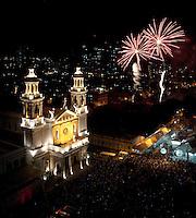 """Ao final dos festejos  do cÌrio de nossa senhora de NazarÈ, que este ano reuniu durante a prociss""""o mais de 1.000.000 de pessoas È encerrado durante queima de fogos em frente a BasÌlica de Nossa Senhora de NazarÈ. Depois de quinze dias de festas as luzes da basÌlica se apagam.<br /> 28/10/2012<br /> BelÈm, Par·,Brasil.<br /> Foto Paulo Santos"""