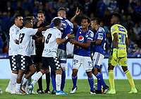 BOGOTÁ-COLOMBIA, 15-02-2020: Jugadores de Millonarios y Boyacá Chicó F.C., discuten durante partido entre Millonarios y Boyacá Chicó F.C. de la fecha 5 por la Liga BetPlay DIMAYOR 2020 jugado en el estadio Nemesio Camacho El Campín de la ciudad de Bogotá. / Players of Millonarios and Boyaca Chico F.C., discuss during a match between Millonarios and Boyaca Chico F.C. of the 5th date for the BetPlay DIMAYOR Leguaje I 2020 played at the Nemesio Camacho El Campin Stadium in Bogota city, Photo: VizzorImage / Daniel Garzón / Cont.