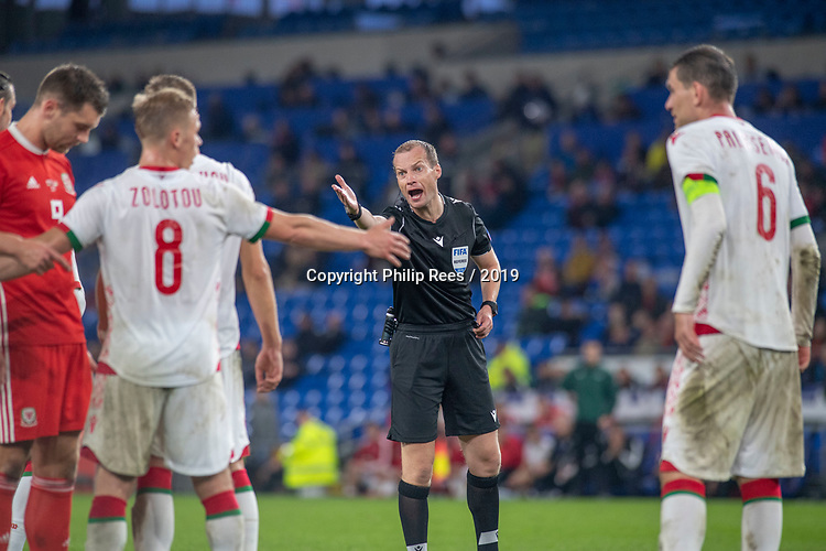 Cardiff - UK - 9th September :<br />Wales v Belarus Friendly match at Cardiff City Stadium.<br />Referee William Sean Collum of Scotland.<br />Editorial use only