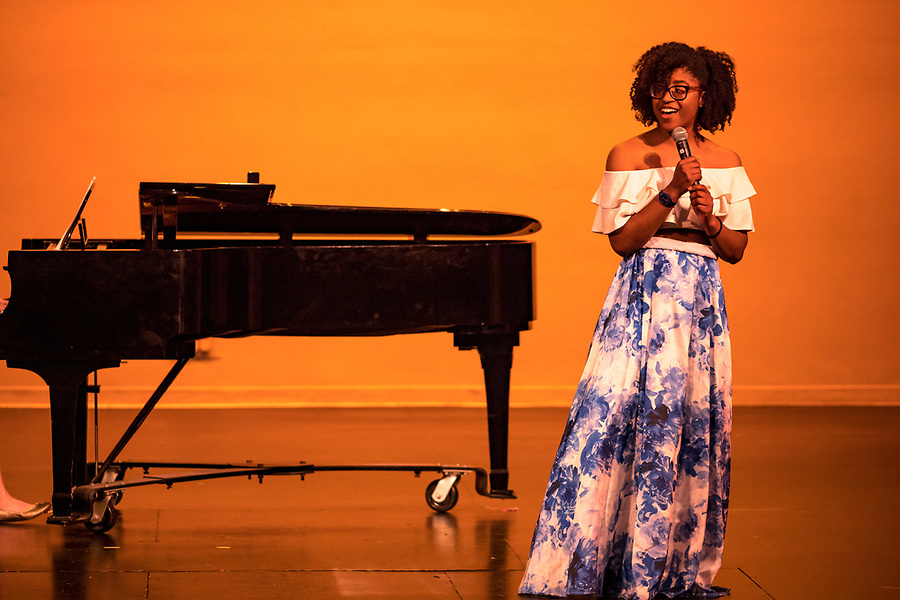 November 9, 2018; Annual Black Images talent showcase presented by the Black Cultural Arts Council of Notre Dame (BCAC). (Photo by Matt Cashore/University of Notre Dame)