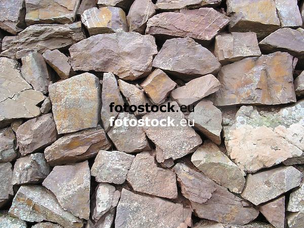 Dry masonry wall<br /> <br /> Muro de piedra seca<br /> <br /> Trockenmauer<br /> <br /> 2272 x 1704 px<br /> 150 dpi: 38,47 x 28,85 cm<br /> 300 dpi: 19,24 x 14,43 cm