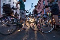 """""""Critical Mass"""" in Berlin.<br /> Weit ueber 1.000 Radfahrer beteiligten sich an einer """"Critical Mass-Aktion"""", bei der Menschen mit dem Rad durch Berlin fuhren um fuer ein bessere Fahrradpolitik in Berlin demonstrierten. Eine """"Critical Mass"""" findet an jedem Freitag im Monat statt.<br /> 26.8.2016, Berlin<br /> Copyright: Christian-Ditsch.de<br /> [Inhaltsveraendernde Manipulation des Fotos nur nach ausdruecklicher Genehmigung des Fotografen. Vereinbarungen ueber Abtretung von Persoenlichkeitsrechten/Model Release der abgebildeten Person/Personen liegen nicht vor. NO MODEL RELEASE! Nur fuer Redaktionelle Zwecke. Don't publish without copyright Christian-Ditsch.de, Veroeffentlichung nur mit Fotografennennung, sowie gegen Honorar, MwSt. und Beleg. Konto: I N G - D i B a, IBAN DE58500105175400192269, BIC INGDDEFFXXX, Kontakt: post@christian-ditsch.de<br /> Bei der Bearbeitung der Dateiinformationen darf die Urheberkennzeichnung in den EXIF- und  IPTC-Daten nicht entfernt werden, diese sind in digitalen Medien nach §95c UrhG rechtlich geschuetzt. Der Urhebervermerk wird gemaess §13 UrhG verlangt.]"""