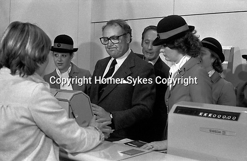 Freddie Laker launched Skytrain, the inaugural flight took place amongst much hype on 26th September 1977. This was a no frills low fare, budget daily service between London Gatwick and JFK in New York. Ann Campbell  was the first paying customer Freddie Laker trying to get the till to work.