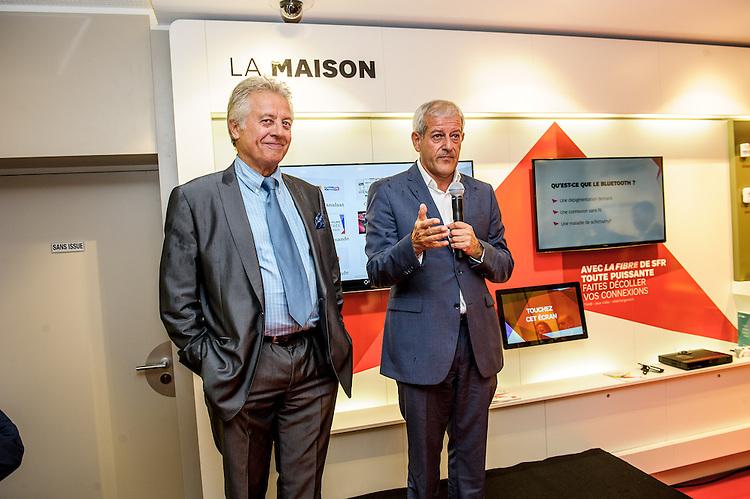 Espace SFR La Canebière - Marseille - De gauche à droite : Guy Nicolai, représentant la maire de secteur, Sabine Bernasconi ; Franck Cadoret, DG de SFR ;