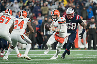 FOXBOROUGH, MA - OCTOBER 27: Cleveland Browns Quarterback Baker Mayfield #6 fakes a hand off to Cleveland Browns Runningback Nick Chubb #24 during a game between Cleveland Browns and New Enlgand Patriots at Gillettes on October 27, 2019 in Foxborough, Massachusetts.