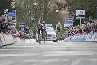 Greg Van Avermaet (BEL/BMC) beats World Champ Peter Sagan (SVK/Bora-Hansgrohe) & Sep Vanmarcke (BEL/Cannondale-Drapac) to the finish line & wins for a 2nd (consecutive) time the Omloop Het Nieuwsblad (2017).