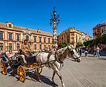 Spanien, Andalusien, Sevilla: Plaza Virgen de los Reyes vor der Kathedrale  | Spain, Andalusia,Seville: Plaza Virgen de los Reyes