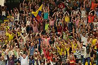 MEDELLÍN - COLOMBIA, 25-08-2017: fanáticos de Colombia animan a su equipo durante el partido entre Brasil y Colombia de la fase de grupos, grupo A, de la FIBA AmeriCup 2017 jugado en el coliseo Iván de Bedout de la ciudad de Medellín.  El AmeriCup 2017 se juega  entre el 25 de agosto y el 3 de septiembre de 2017 en Colombia, Argentina y Uruguay. / Fansd of Colombia cheer for their team during the match between Brazil and Colombia of the group stage Group A of the FIBA AmeriCup 2017 played at Ivan de Bedout  coliseum in Medellin. The AmeriCup 2017 is played between August 25 and September 3, 2017 in Colombia, Argentina and Uruguay. Photo: VizzorImage / León Monsalve / Cont