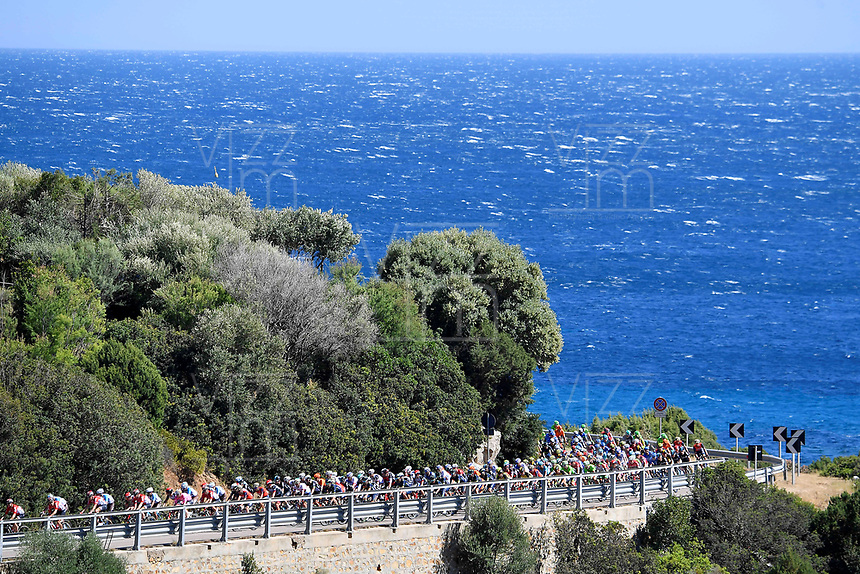 ITALIA. 07-05-2017. Aspecto de la etapa 3 entre Tortoli' a Cagliari con 148 kms de la versión 100 del Giro de Italia hoy 07 de mayo de 2017. / Aspect of the stage 3 between Tortoli 'to Cagliari with 148 kms of the 100 version of the Giro d'Italia today 07 May 2017 Photo: VizzorImage/ Fabio Ferrari / LaPresse<br /> VizzorImage PROVIDES THE ACCESS TO THIS PHOTOGRAPH ONLY AS A PRESS AND EDITORIAL SERVICE AND NOT IS THE OWNER OF COPYRIGHT; ANOTHER USE HAVE ADDITIONAL PERMITS AND IS  REPONSABILITY OF THE END USER