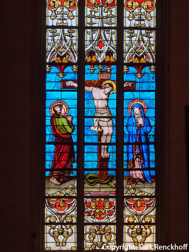Fenster in der gotischen Kathedrale Notre Dame, Luxemburg-City, Luxemburg, Europa, UNESCO-Weltkulturerbe<br /> Windows in Gothic Cathedral Notre Dame , Luxembourg City, Europe, UNESCO Heritage Site