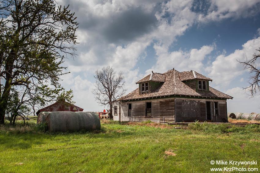 Abandoned Farmhouse near Fort Supply, OK