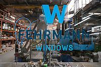 Deutschland, Hamburg, Unternehmen Fehrmann windows, Fertigung von Spezialfenstern fuer die Schifffahrt und andere spezielle Anwendungen wo es um hohe Drücke und Bruchfestigkeit geht