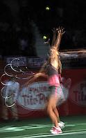 BOGOTA – COLOMBIA-06-12-2013: Maria Sharapova, tenista de Rusia, se prepara para sirvir durante partido de exhibición en el Coliseo El Campin en la ciudad de Bogota. / Maria Sharapova, Rusian Tennis player, prepareres to serves  during an exhibition game in the Coliseo El Campin in  Bogota City. / Photo: VizzorImage / Luis Ramirez / Staff.