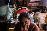 25 noviembre 2014. <br /> La familia de Ovidio Xol, cuya desaparición supuestamente está relacionada con la hidroeléctrica Renace. En Cobán (Guatemala) la hidroeléctrica española Renace se ha instalado con amenazas a la población y falsas promesas de desarrollo para la zona. La compañía también ha prohibido el acceso al río Cahabón para miles de personas y no ha respetado la estrecha relación de los indios mayas con el medio ambiente. Renace es una empresa guatemalteca, pero ha dado el contrato de la construcción de la hidroeléctrica a la empresa española Cobra (FCC). El proyecto ha dividido a la población entre partidarios y detractores. ©Calamar2/ Pedro ARMESTRE<br /> <br /> The family of Ovidio Xol, he is missed because he was against the hydroelectric Renace. In Coban, place located in Guatemala, the hydroelectric Renace has been installed with threats to the population and false promises of development for the area. The company has also forbidden the access to the river for thousands of people and has no respected the close relationship of the Maya Indians with environment. Renace is a Guatemaltecan company but has given the contract of the  construction of the hydroelectric to the spanish company Cobra. The project has divided the population and has caused riots. The project has very close families that live in extrem poverty. They are people that leave close to the hydroelectric but they don' t have electricity at home. ©Calamar2/ Pedro ARMESTRE