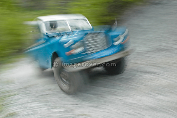 Austria, Boesenstein Offroad Classic, Hohentauern, Steiermark, 25-26.06.2005. Land Rover Serie 3 109 Truck Cab LWB, blue with white roof, Reg: BL21LF. --- No releases available. Automotive trademarks are the property of the trademark holder, authorization may be needed for some uses.