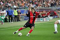 Alex Meier (Eintracht Frankfurt) zieht ab