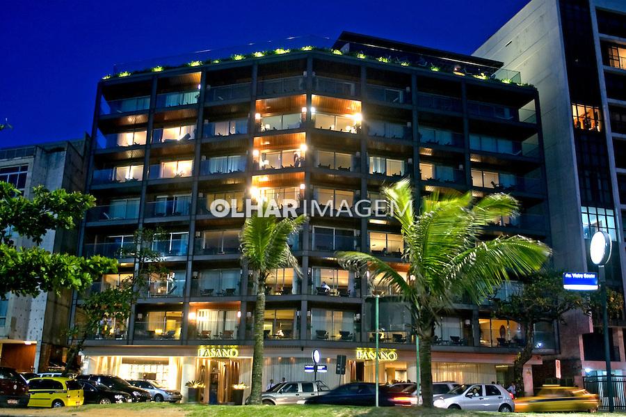 Edifício do Hotel Fasano em Ipanema. Rio de Janeiro. 2008. Foto de Cris Berger.