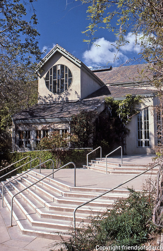 St. Matthew's Church in Pacific Palisades. Designed by Moore Ruble Yudell. Late Modern design completed in 1983.July 1991.