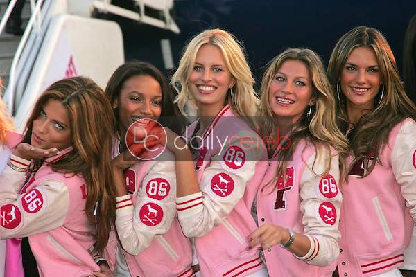 Victoria's Secret Models<br /> at the arrival of the Victoria's Secret Models via Private Jet to Burbank's Bob Hope Airport, Burbank, CA 11-14-06<br /> <br /> Photo by David Edwards/DailyCeleb.com 818-249-4998