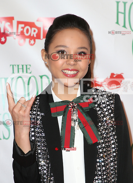 HOLLYWOOD, CA - NOVEMBER 26: Breanna Yde, at 86th Annual Hollywood Christmas Parade at Hollywood Blvd in Hollywood, California on November 26, 2017. Credit: Faye Sadou/MediaPunch /NortePhoto NORTEPHOTOMEXICO