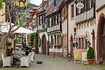 Deutschland, Rheinland-Pfalz, Neustadt an der Weinstrasse: die Hintergasse in der Altstadt | Germany, Rhineland-Palatinate, Neustadt an der Weinstrasse: lane Hintergasse at old town