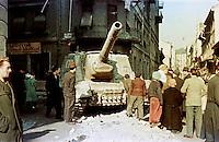 UNGARN, 10.1956.Budapest, VIII. Bezirk.Ungarn-Aufstand / Hungarian uprising 23.10.-04.11.1956:.Verlassenes sowjetisches Sturmgeschuetz in der Déry Miksa utca nach dem Waffenstillstand vom 28.10.56 und dem Rueckzug der Sowjettruppen..Soviet attack artillery tank in Dery Miksa street after the ceasefire of oct. 28 and the retreat of the soviet troops..© Jenö Kiss/EST&OST
