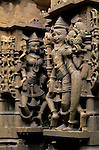 India, Rajasthan, Jaisalmer (The sun city): Jain Temple carvings | Indien, Rajasthan, Jaisalmer (die goldene Stadt): Jain Tempel, Reliefs und Skulpturen