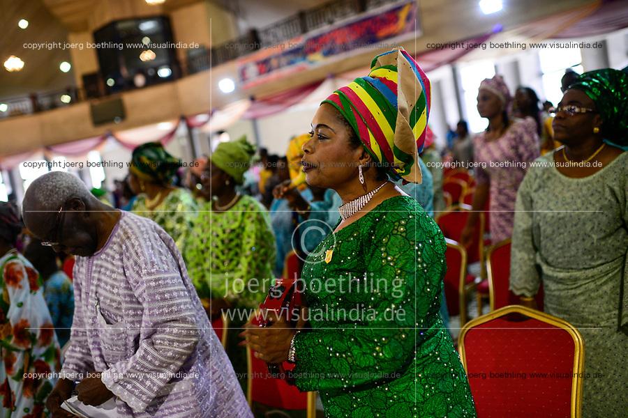 NIGERIA, City Lagos, Shepherdhill Baptist church, holy mass on sunday / Baptisten Kirche, Sonntagsmesse