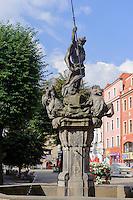 Neptunbrunnen am Marktplatz  in Swidnica, Woiwodschaft Niederschlesien (Województwo dolnośląskie), Polen, Europa<br /> Market Place with Neptune Fountain in Swidnica, Poland, Europe