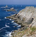 France, Brittany, Départements Finistère, bei Plogoff: Pointe Du Raz, a rocky coastline   Frankreich, Bretagne, Département Finistère, bei Plogoff: Pointe Du Raz, ein felsiges Kap, Abschluss des Cap Sizun