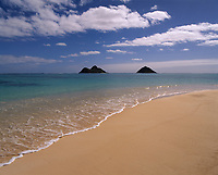 Lanikai Beach and Mokulua Islands, Oahu, Hawaii, USA.
