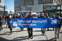"""Die Kleinpartei """"Partei der Vernunft"""" demonstrierte am Samstag den 23. Maerz 2013 in Berlin gegen die GEZ und jegliche Fenseh- und Rundfunk-Gebuehren. Sympathiesanten und Anhaenger der Partei trugen dabei Schilder mit der Aufschrift """"UnGEZiefer"""" oder ausgestrichene Koepfe von ZDF-Moderatoren.<br />24.3.2013, Berlin<br />Copyright: Christian-Ditsch.de<br />[Inhaltsveraendernde Manipulation des Fotos nur nach ausdruecklicher Genehmigung des Fotografen. Vereinbarungen ueber Abtretung von Persoenlichkeitsrechten/Model Release der abgebildeten Person/Personen liegen nicht vor. NO MODEL RELEASE! Don't publish without copyright Christian-Ditsch.de, Veroeffentlichung nur mit Fotografennennung, sowie gegen Honorar, MwSt. und Beleg. Konto:, I N G - D i B a, IBAN DE58500105175400192269, BIC INGDDEFFXXX, Kontakt: post@christian-ditsch.de<br />Urhebervermerk wird gemaess Paragraph 13 UHG verlangt.]"""