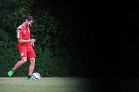 SÃO PAULO, SP, 16.10.2015 - FUTEBOL-SÃO PAULO - Alexandre Pato durante treino do São Paulo Futebol Clube no CT Barra Funda na região oeste da cidade de São Paulo nesta sexta-feira, 16.(Foto: Vanessa Carvalho/Brazil Photo Press)