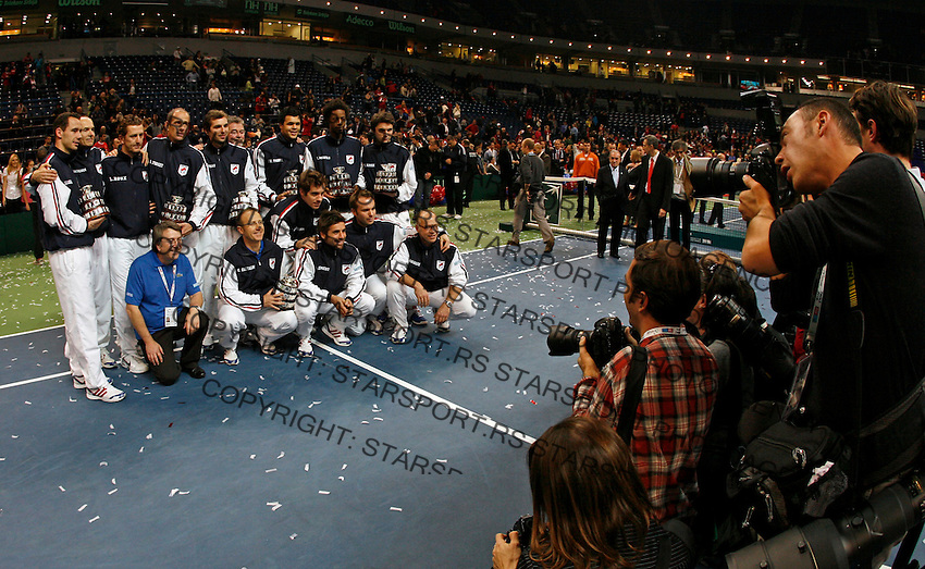 French Davis Cup team pose for the photo after Davis Cup finals against Serbia in Belgrade Arena in Belgrade, Serbia, Sunday, 5. December 2010. Serbia has won 3:2 their first Davis Cup title. (credit & photo: Pedja Milosavljevic/SIPA PRESS)