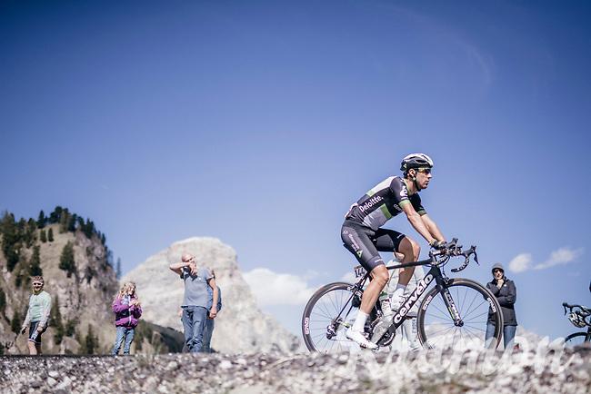 Omar Fraile (ESP/Dimension Data) up the Passo Gardena / Grödnerjoch (2221m)<br /> <br /> Stage 18: Moena › Ortisei/St. Urlich (137km)<br /> 100th Giro d'Italia 2017